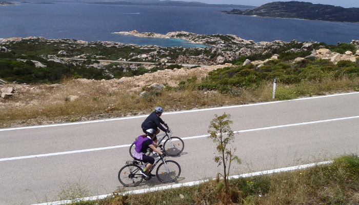 Bicycle holidays in the North of Sardinia: cycle touring routes
